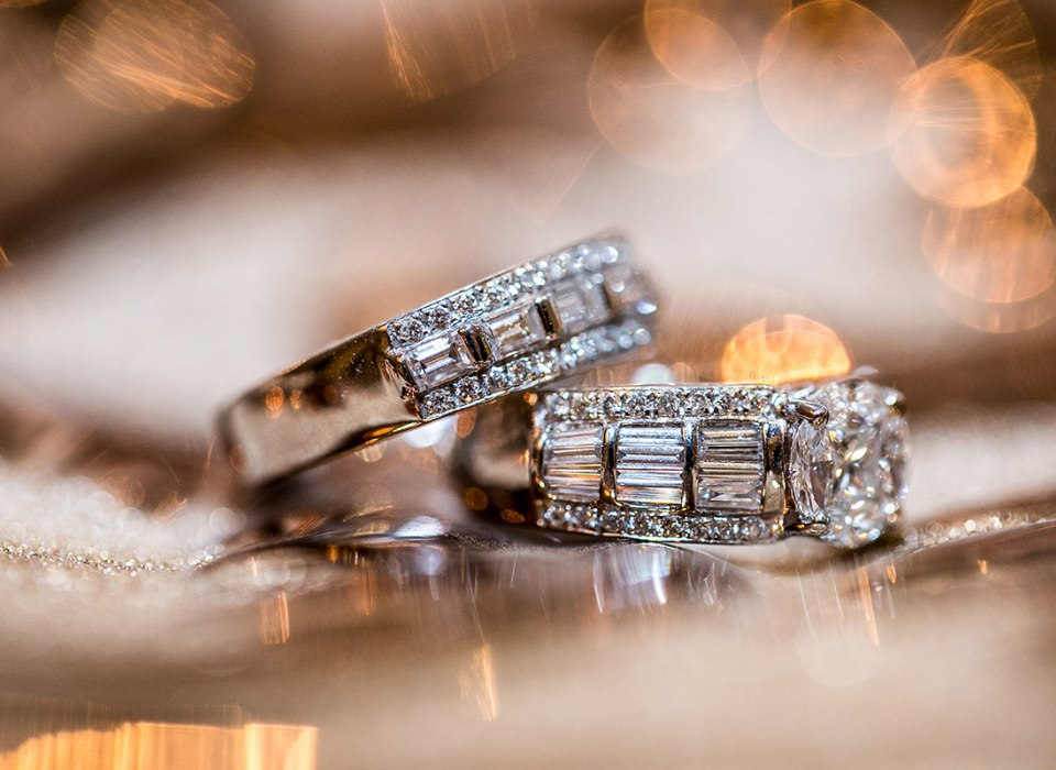 Amazing wedding rings with diamonds