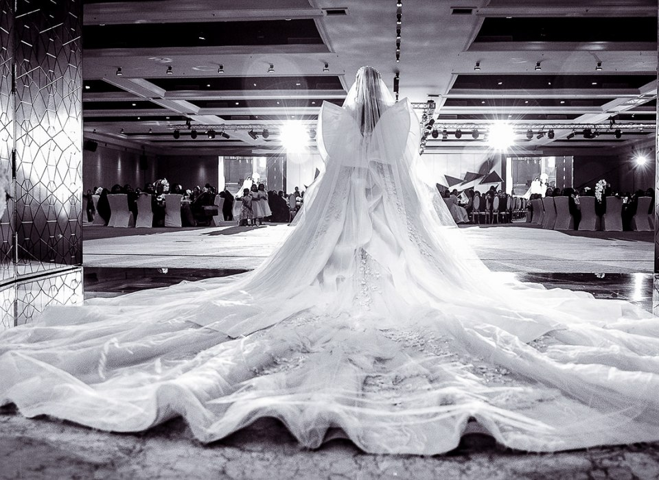 The most amazing wedding dress in the Emirates